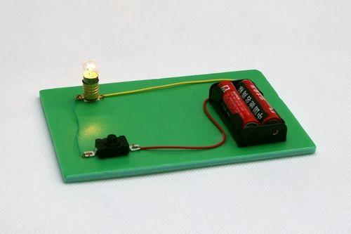 第五单元——探索电路的应用:电灯笼;发报机;木制红绿灯;地震报警器 &